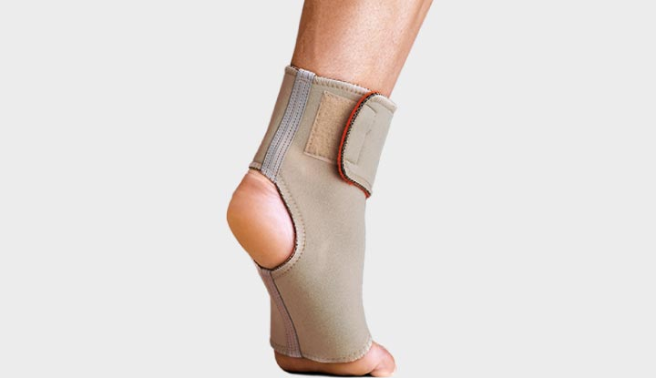 Thermoskin Adjustable Ankle Wrap - 8*203